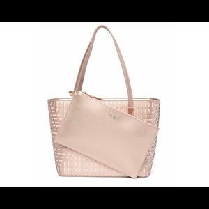 Ted Baker London Bags - NEW Ted Baker Breeana Cut Out Bow Leather Tote🌼